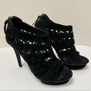 Elie Tahari black 100% suede platform heels